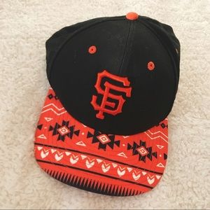 2970522ecca san francisco giants Accessories - 🧡giants tribal snapback + cropped tee🖤